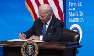 Biden tërheq dhe zëvëndëson urdhërat ekzekutive të Trump që dënuan TikTok