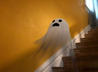Ja si të festosh Halloweenin në kushte shtëpie me Google AR